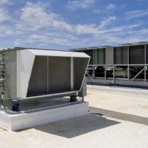 Rooftop d'un hôtel - système de climatisation